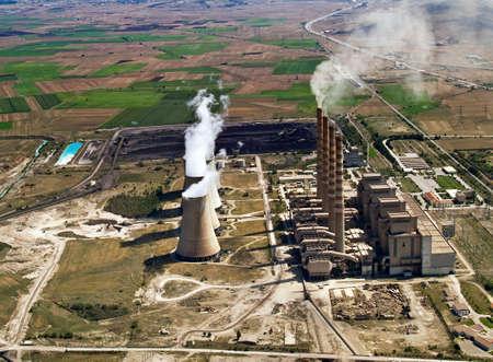 turbina de vapor: El�ctricas de combustibles f�siles de plantas en operaci�n, vista a�rea