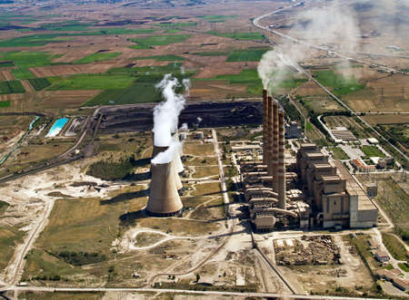 generating station: Fossil fuel power plant in operation, aerial view