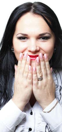 maladroit: discr�te femme maladroite silence �loquent jolie avec les mains sur la bouche