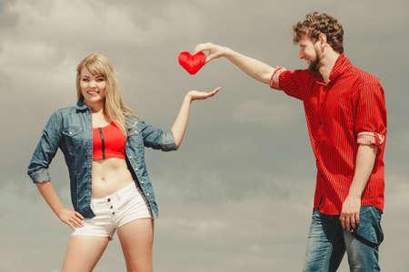 Resultado de imagen para Compartir en el amor hombre y mujer