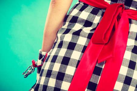 Retro, Pin Up, Elegant Und Zeitlos Kleidung Konzept. Frau Trägt ...
