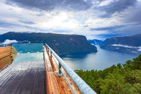 Aurlandsfjord-Landschaft vom Aussichtspunkt Stegastein. Norwegen Skandinavien. Nationale Touristenroute Aurlandsfjellet.