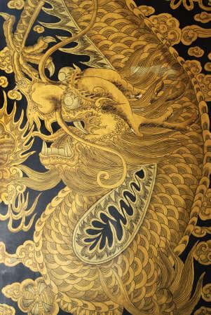 jarret: Golden Dragon sur les portes de Thian Hock Keng. Thian Hock Keng est l'un des plus vieux temple chinois tao�ste Hokkien � Singapour. Il a �t� construit en 1839 et est un lieu de culte pour Ma Zu (d�esse de la mer) pour leur voyage en toute s�curit�.