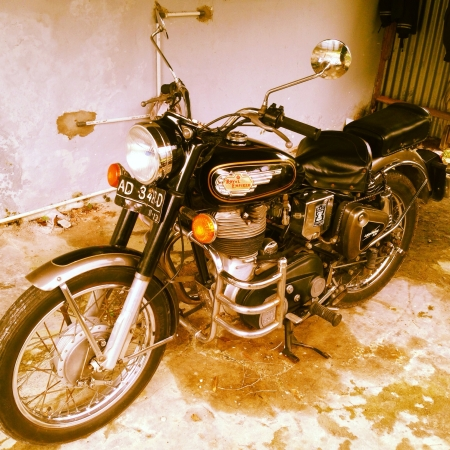 enfield: Classic motorcycle