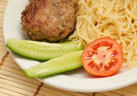 Cutlet with the vermicelli and the vegetables.