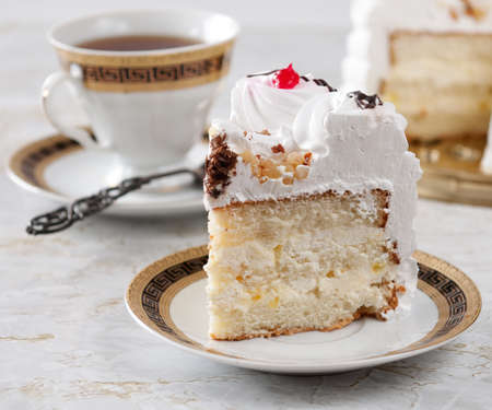 Sponge cake with whipped cream.