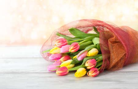 mazzo di fiori: mazzo di tulipani  Archivio Fotografico