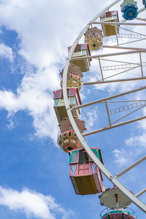 A beautiful old ferris wheel with blue sky background Stockfoto