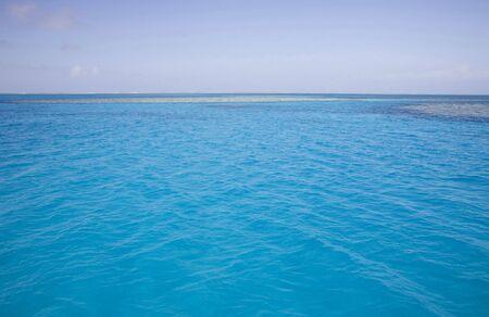 great barrier reef marine park: stunning turquoise ocean of great barrier reef marine park
