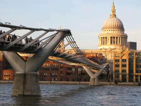 st pauls: St Pauls Cathedral and Millennium Bridge, London