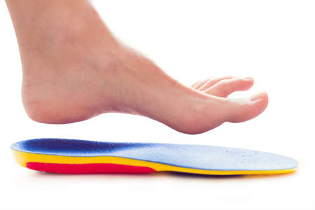 orthopedic insole and female leg above it Banque d'images - 97937715