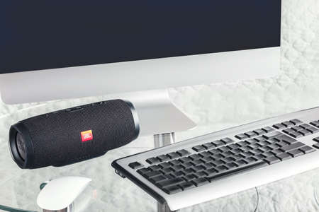 portable speaker JBL with computer - January 16, 2018 新聞圖片