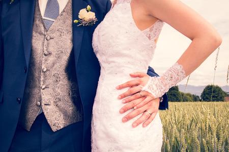 Newly Weds Hands Showing Brand New Shiny Wedding Rings 版權商用圖片