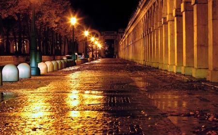 Calle mojada por la lluvia photo