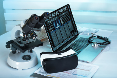 Virtual reality equipment in the laboratory / Laptop with remote diagnostic medical equipment 免版税图像 - 66976092