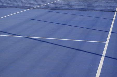 Blue Tennis Court Scene. Sports and Lifestyles Фото со стока - 84408816