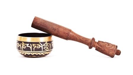 morter: Pestello in legno con Malta ceramica isolato su sfondo bianco.