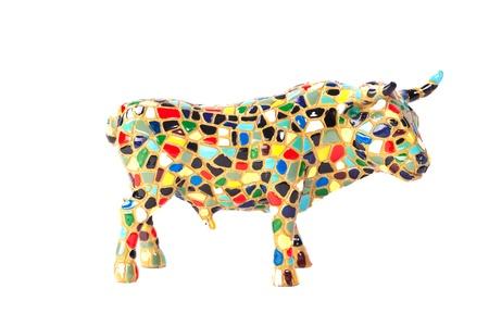 vacas lecheras: Vista macro del Toro decorativo aislada sobre fondo blanco Foto de archivo