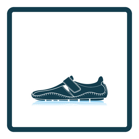 loafer: Moccasin icon. Shadow reflection design. Vector illustration.