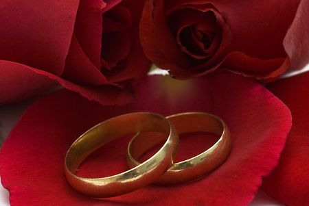 Rings and roses. Stock Photo - 6291875