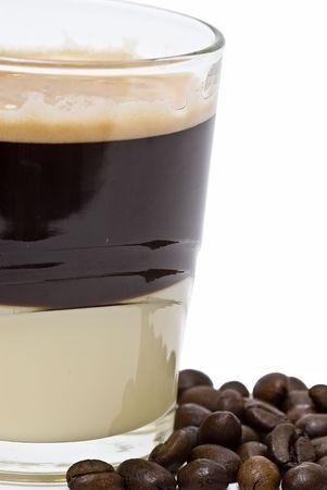 cafe colombiano: Bomb�n de caf� con leche condensada.