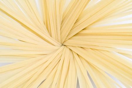 Tallarines aislado en un fondo blanco. Foto de archivo - 8661903