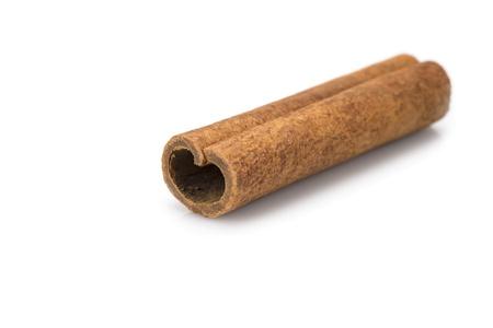 cinnamon stick: Cinnamon stick isolated over a white background