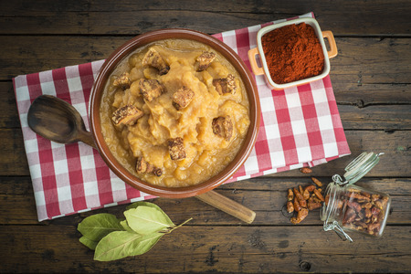 bobbed: Traditional Spanish double-mashed potatoes or bobbed potatoes with smoked paprika Stock Photo