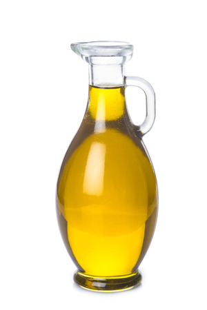 Oliwa z oliwek z butelki oleju na białym backgroun