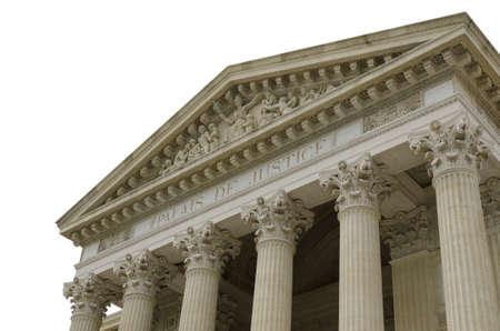 dovere: tribunale isolato su sfondo bianco