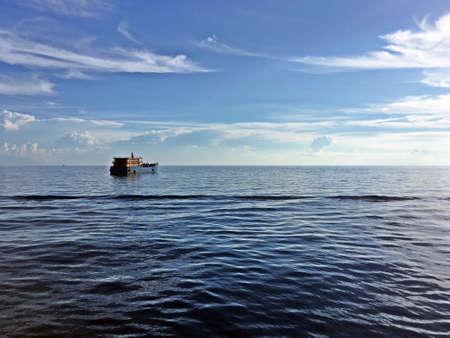 Boat in the sea of Koh Tao island in Thailand. 免版税图像