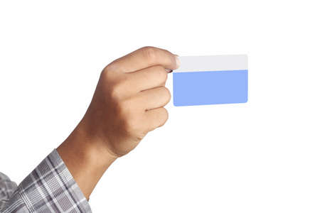 mano derecha: mano derecha sostiene la tarjeta de cr�dito, aislados en fondo blanco