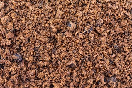 Cookies chocolate broken into fine pieces.