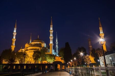 blue mosque: Blue Mosque at night, Istanbul, Turkey