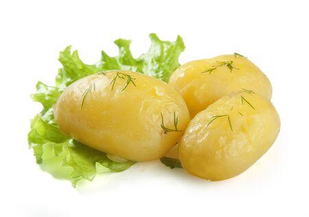 新鮮な緑のレタスの 3 つのゆでたジャガイモ