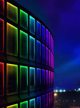 iluminacion: fachada luz de la noche llevó la construcción de utilizar