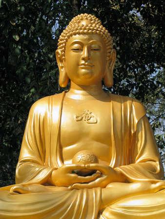 西安、中国の寺の仏像。