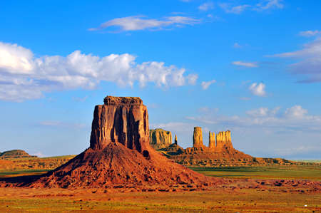 mitten: View from Artists Point of East Mitten Butte and rock formations of Monument Valley on the border of Arizona and Utah.