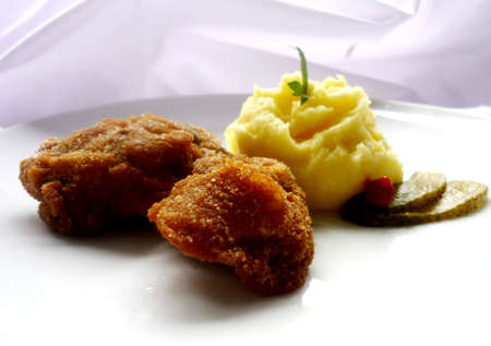higado de pollo: H�gado de pollo empanado con pur� de patatas