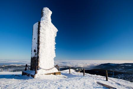 Frozen building, Sniezka peak, Karkonosze, Poland Zdjęcie Seryjne