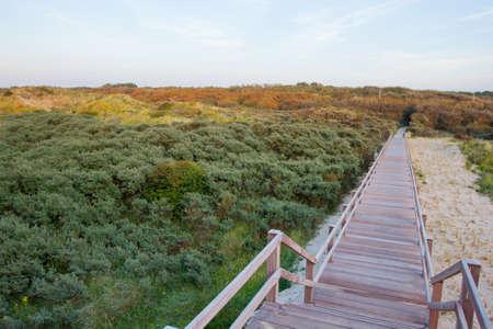 Wooden footbridge on a beach in West Flanders, Belgium Stockfoto