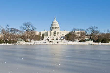 edifices: The White House building after a snow blizzard at the Mall in DC, USA Stock Photo