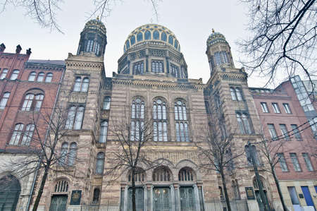 synagoge: The Neue Synagoge (New Synagogue) is the main synagogue of the Berlin Jewish community.