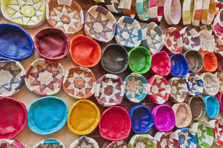 fas: Leather handicrafts on the souk of Fez, Morocco