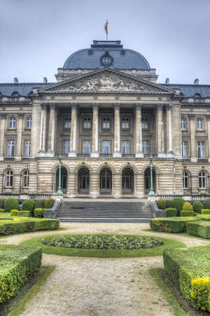 bruxelles: The Palais Royal de Bruxelles or Koninklijk Paleis van Brussel (Royal Palace of Brussels), the official palace of the King and Queen of the Belgians in the centre of the nations capital Brussels.