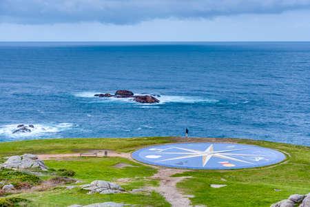 rosa dei venti: Compass rose rappresentano i diversi popoli celtici situati vicino alla Torre di Ercole di La Coruña, Galizia, Spagna. Archivio Fotografico