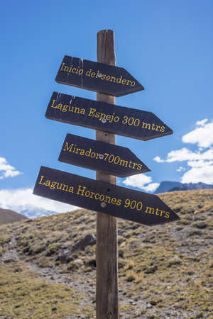 horcones: Sign Aconcagua, the highest mountain in the Americas at 6.960.8 m., located in the Andes mountain range in Mendoza, Argentina.