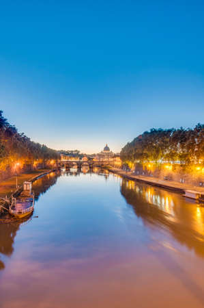 caput: The Tiber (Tevere) river, the third-longest river in Italy, passing through Rome. Stock Photo