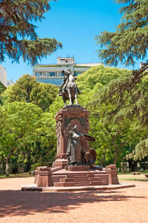 buenos aires: O Higgins monument in Buenos Aires, Argentina