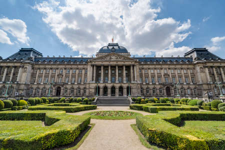Bruxelles: Royal Palace of Brussels (Koninklijk Paleis van Brussel or Palais Royal de Bruxelles), the official palace of the King and Queen of the Belgians in the centre of the nation capital Brussels.
